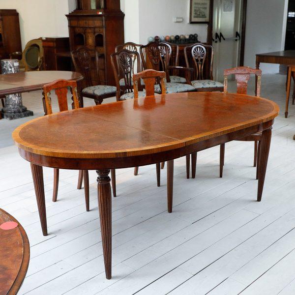 Tavolo Allungabile Antiquariato.Tavolo Allungabile Ovale Con Sedie Mobili Sisi Antiquariato