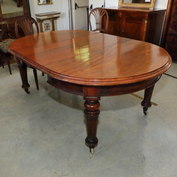 Tavolo  ovale allungabile a manovella con gamba scanalata - Tavoli e Scrittoi
