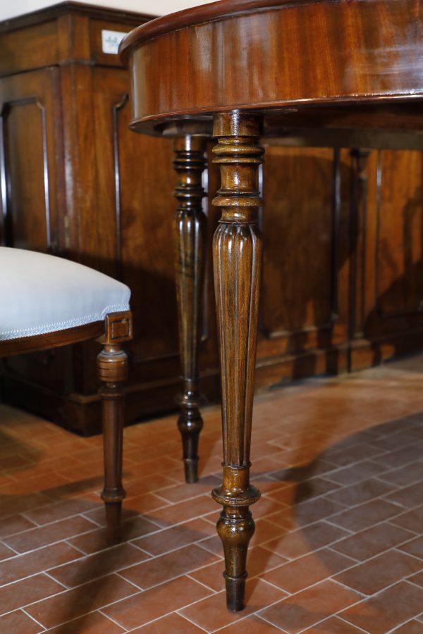 Tavolo ovale allungabile in mogano metà 800 - Tavoli e Scrittoi